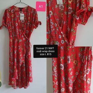 Midi red floral wrap dress size L, NWT